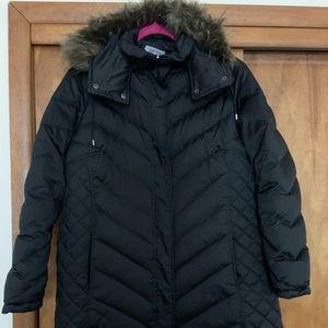 Plus size women's winter puffy coat.
